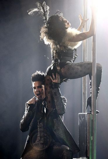 Adam-Lambert-hot-video-denunce-foto-02