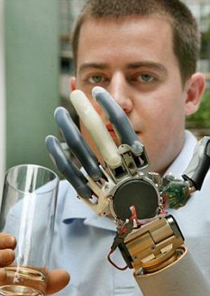 braccio-bionico-protesi-intelligente