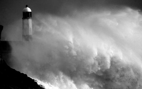 tempesta-piu-potente-degli-ultimi-40-anni-cornovaglia-03