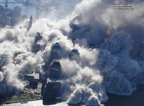 11-settembre-attentato-world-trade-center-immagini-foto-torri-gemelle-02