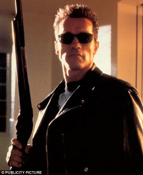 Arnold-Schwarzenegger-terminator-foto-03