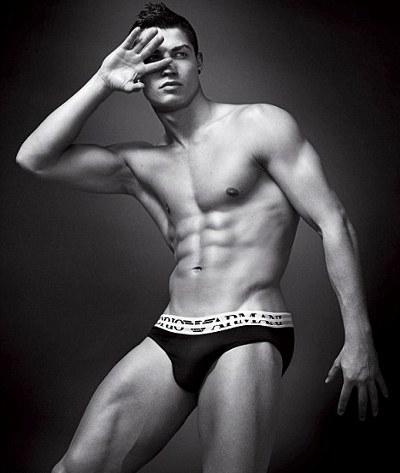 Cristiano-Ronaldo-posa-per-giorgio-armani-foto-pic-04