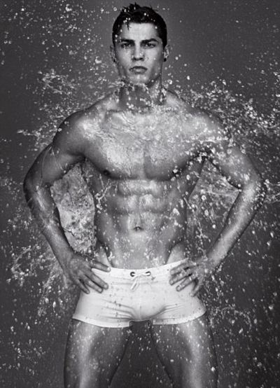 Cristiano-Ronaldo-posa-per-giorgio-armani-foto-pic-05