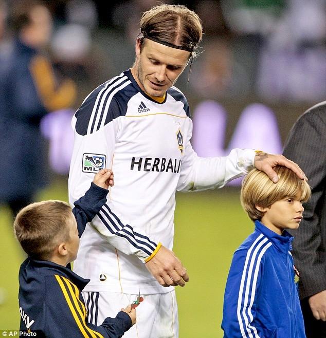 David-Beckham-Victoria-Adams-foto-harper-04.jpg