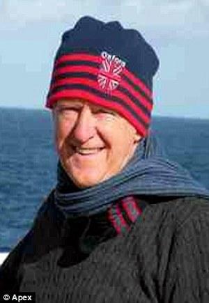 Dennis-Gregory-ritrova-foto-smarrite-nelloceano-atlantico