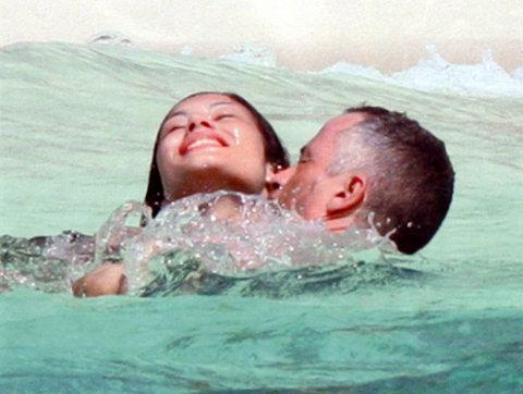 Eros-Ramazzotti-Marika-Pellegrini-maldive-foto-pic-04