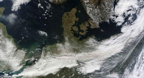 Eyjafjallajokull-cenere-vulcano-foto-eruzione-satellite-islanda-01