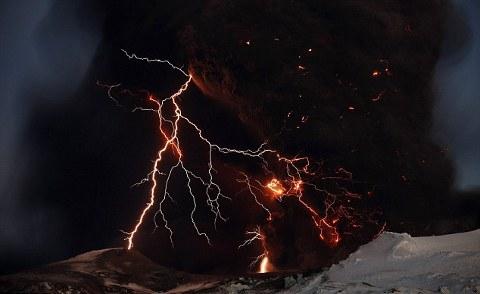 Eyjafjallajokull-foto-cenere-vulcano-eruzione-13