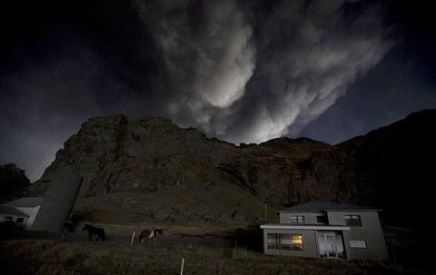 Eyjafjallajokull-foto-cenere-vulcano-eruzione-14