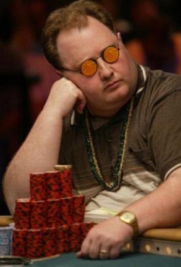 Greg-Fossilman-poker-occhiali-da-sole