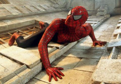 Jem-Stansfield-spider-man-uomo-ragno-aspirapolvere-03