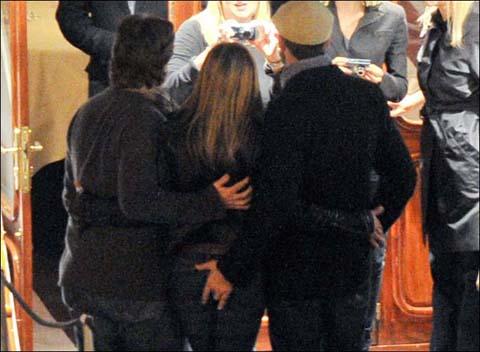Jennifer_Aniston-gerard-butler-parigi-foto-01