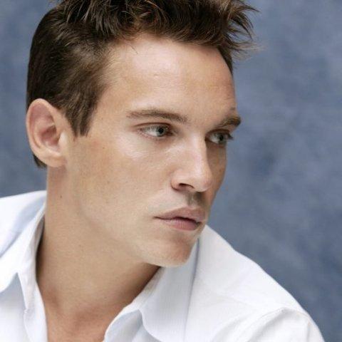 Jonathan-Rhys-Meyers-tentato-suicidio-foto-01