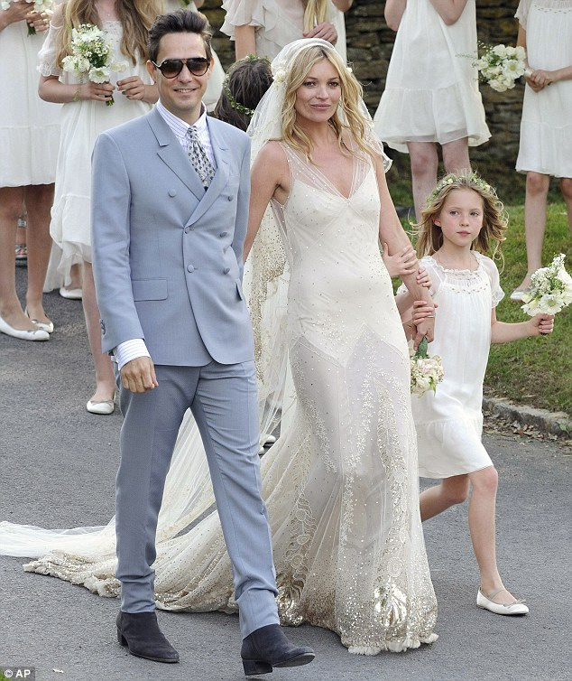 Kate-Moss-Jamie-Hince-wedding-matrimonio-foto-01