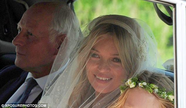 Kate-Moss-Jamie-Hince-wedding-matrimonio-foto-05