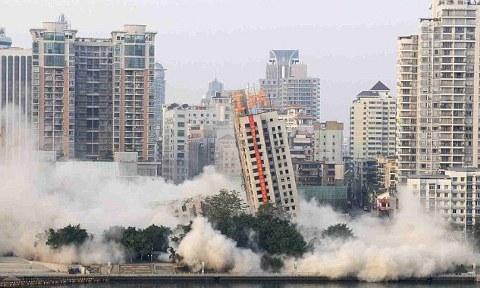 Liuzhou-demolizione-grattacieli-torri-cina-03