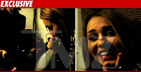 "Miley-Cyrus-fuma-bong-01"""