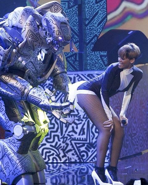 Rihanna-hot-Echo-Awards-Berlino-foto-picture-01