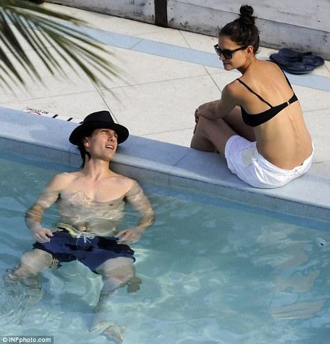 Tom-Cruise-cappello-hat-02