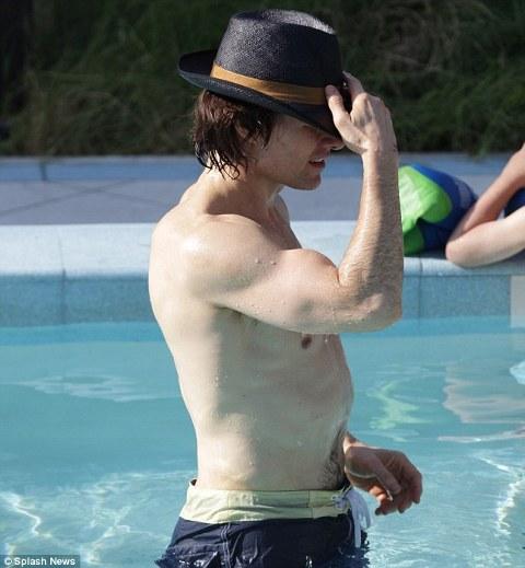 Tom-Cruise-cappello-hat-03