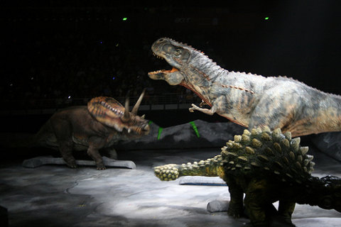 WalkingWithDinosaurs-show-dinosauri-robot-01