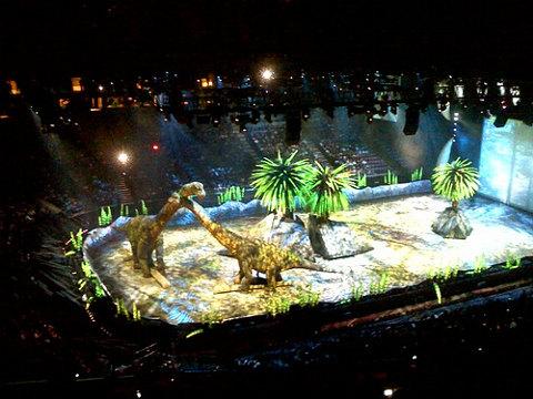 WalkingWithDinosaurs-show-dinosauri-robot-02
