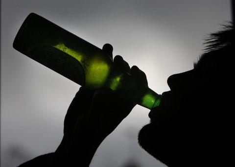 amy-lewis-alcolismo-dipendenza-03