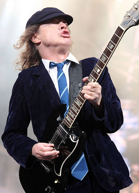 angus-young-ac-dc-maggio-2010-udine-foto-02