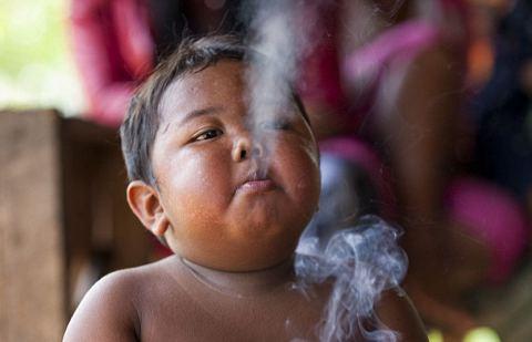 bambino-sigarette-dipendenza-foto-04