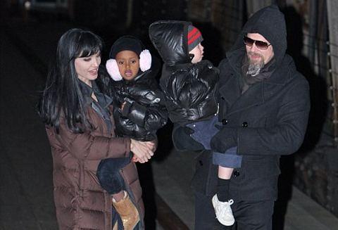 brad-pitt-angelina-jolie-Shiloh-zahara-new-york-figli-foto-pic-01