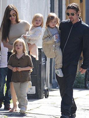 brad-pitt-angelina-jolie-family-Shiloh