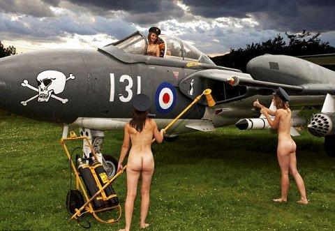 calendario-nudo-esercito-mogli-soldati-foto-hot-04
