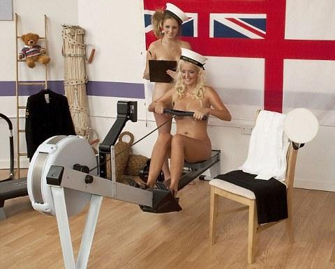 calendario-nudo-esercito-mogli-soldati-foto-hot-07