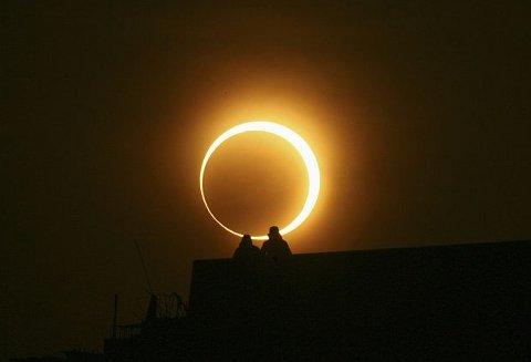 eclissi-sole-anulare-foto-pic-india-immagine-01