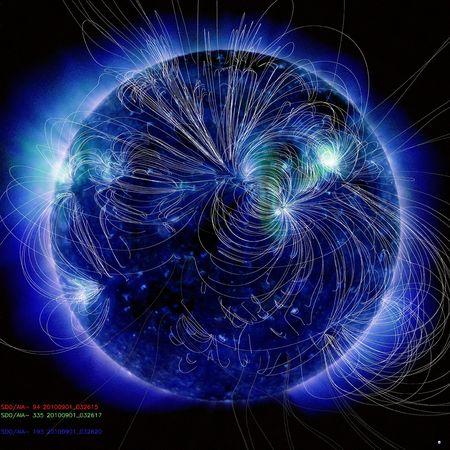 eruzione-solare-massa-coronale-campo-magnetico