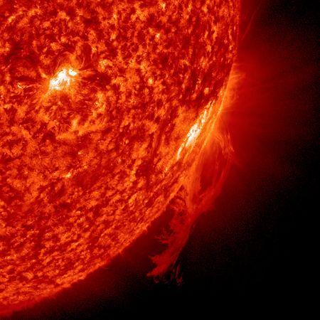 esplosione-sole-plasma-sdo-foto-campo-magnetico