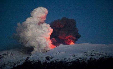 eyjafjallajokull-eruzione-cenere-nube-cancellazione-voli-01