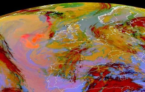 eyjafjallajokull-eruzione-cenere-nube-satellite-nasa-foto-03