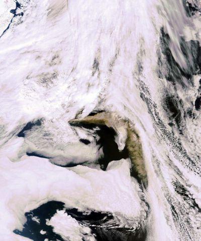 eyjafjallajokull-eruzione-cenere-nube-satellite-nasa-foto-05