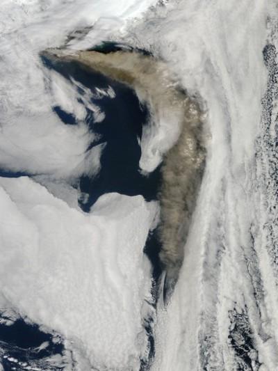eyjafjallajokull-eruzione-cenere-nube-satellite-nasa-foto-07