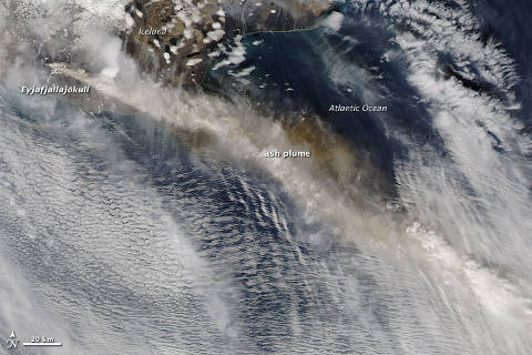 eyjafjallajokull-eruzione-cenere-nube-satellite-nasa-foto-08