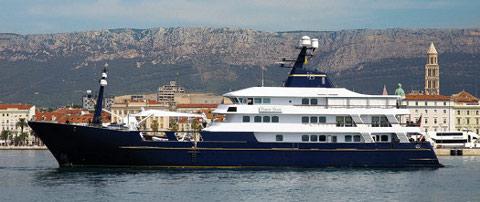 force_blue-yacht-squestrato-flavio-briatore-02