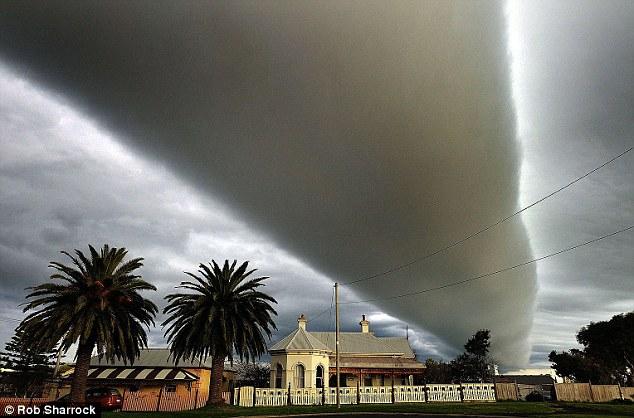 foto-nuvola-rotolo-Australia