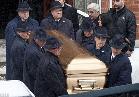 funerale-mafia-canada-rizzuto-bara-oro-01