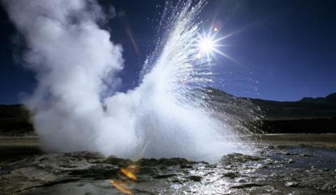 geyser-cile-eruzione-foto-lacrime-El-Tatio