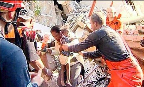 haiti-terremoto-earthquake-immagini-foto-03