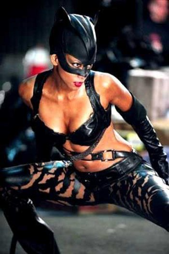 halle-berry-catwoman-donna-gatto-02