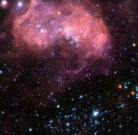 hubble-bean-nebulosa-foto