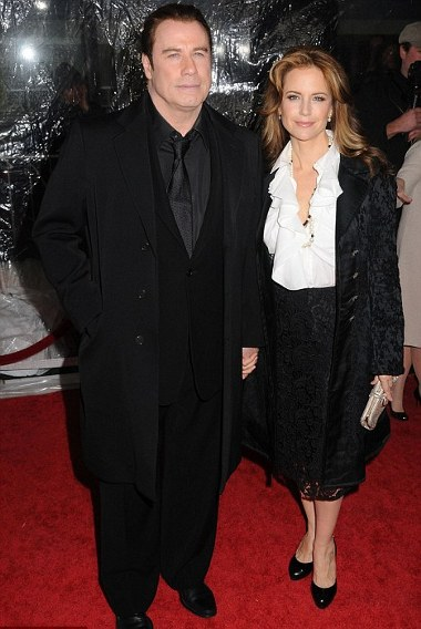 john-travolta-kelly-preston-new-york-01