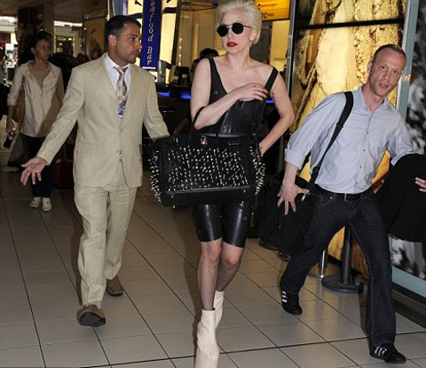 lady-gaga-foto-shoes-scarpe-04